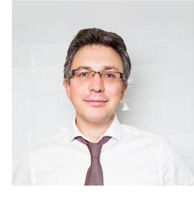 Стоматолог Алексей Болячин