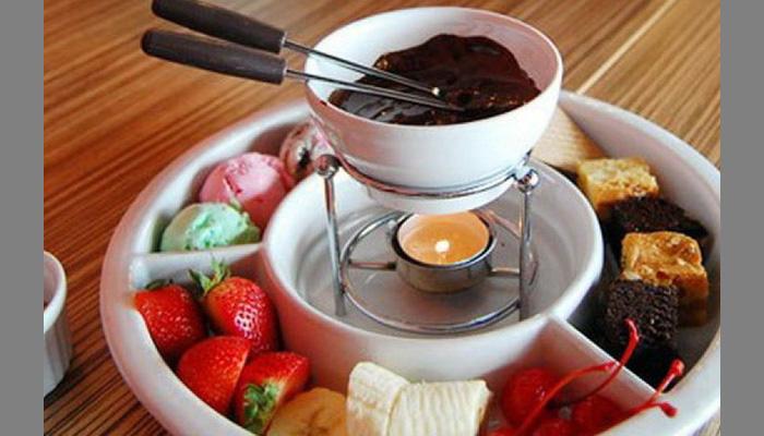 Фондю из шоколада в домашних