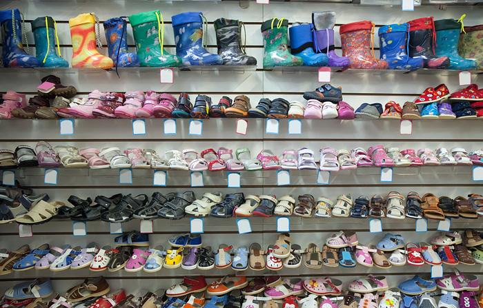 Выбор правильной обуви для здоровья детских ножек   Материнство ... 6b1ebf98acf
