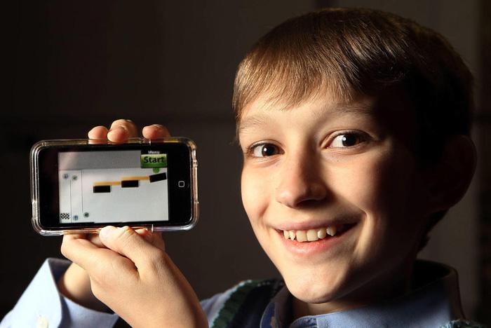 Мальчик написал популярную игру для смартфонов