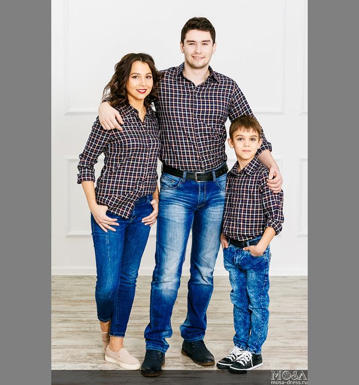 bcfa49ee5a2 Одинаковые футболки или рубашки можно сочетать с обычными джинсами