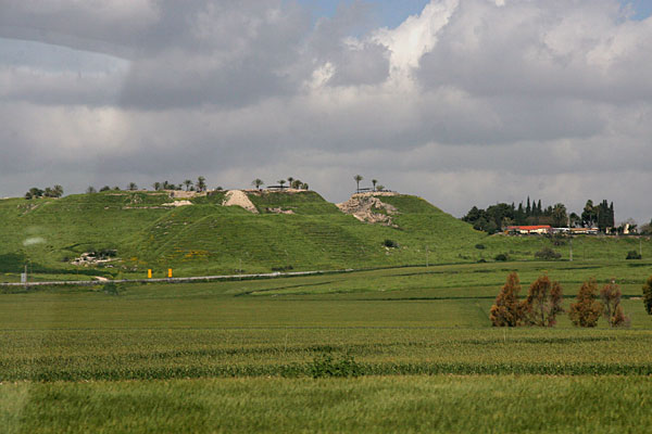 Городище Мегиддо (Армагеддон)