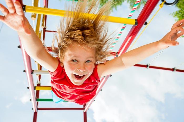 Давать ли сдачи на детской площадке